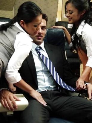 เทียวบิน ASA ไปโตเกียว Four Lustful Asian Flight Attendants Want Dirty Sex During Flight